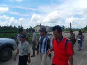 Warga Bararawa Menutup Jalan Borneo Ketapang Indah